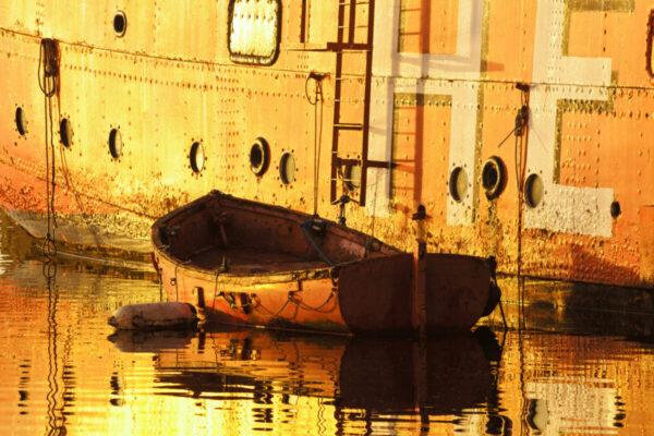 Cardiff Bay lightship boat